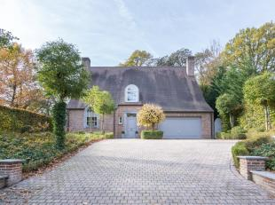 Heverlee, instapklare villa op 10 are met een West-georiënteerde tuin gelegen vlak tegenover Heverlee-bos.  Het gelijkvloers omvat een ruime inko