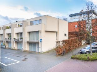 Recente en ruime koppelvilla in project 'Cardenberch' (Anders Bouwen) op het hoogste punt te centrum Leuven! <br /> <br /> Deze lichtrijke, half-open
