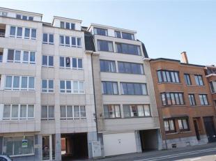 Ruim ongemeubeld 2-slaapkamerappartement gelegen te Naamsesteenweg 140 bus 0301, Heverlee.<br /> <br /> Het appartement bevat 2 slaapkamers, ruime, li