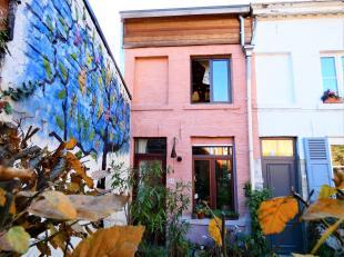 Deze gezellige en karaktervolle woning is gelegen in een rustig hoekje van de pittoreske en zeer gegeerde Mussenstraat. <br /> Deze woning is iets rui