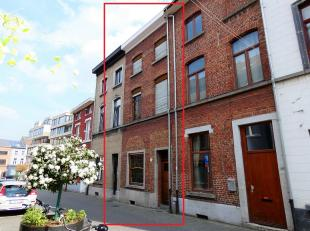 Deze opbrengstwoning met 7 kamers én Kotlabel is gelegen in een rustige straat in het centrum van Leuven op een boogscheut van het Ladeuzenplei