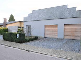 Leuvio presenteert deze aangename en lichtrijke woning met prachtige tuin, gelegen in een rustige straat in Bost (Tienen) op nog geen 3 km van de Grot