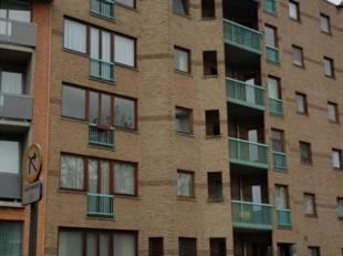 Mooi heel ruim appartement met 3 slaapkamers. Goed verzorgd gebouw en appartement op de vijfde verdieping. Klein en groot terras. Ook mogelijk voor ko