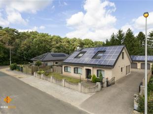 Deze ruime woning is gelegen in een rustige en groene omgeving en toch op slechts 1 km van het centrum van Eksel. <br /> De woning werd gebouwd in 197