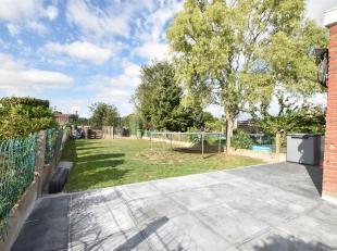 Op zoek naar een betaalbare woning met 3 slaapkamers met een heerlijke Zuidgerichte tuin met open zicht op velden? Kom dan als eerste deze goed onderh