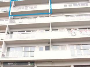 Mooi gerenoveerd en instapklaar appartement met 2 slaapkamers, garagebox en kelderberging aan de rand van Genk-centrum.<br /> 4de verdieping Indeling