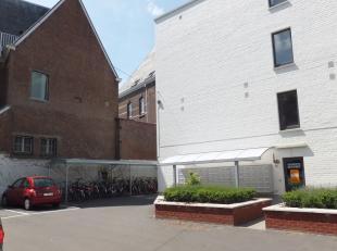 Leuven, Tervuursestraat 44 - Huurprijs 460 euro + Provisie 70 euro voor verwarming, water, gemeenschappelijke kosten, brandverzekering en afvalbehande