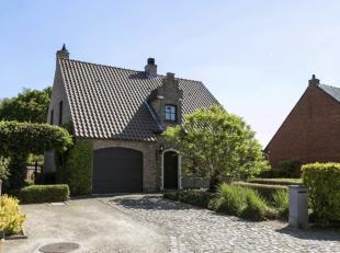 Deze woning biedt enorm veel mogelijkheden en is met zijn grote tuin een oase van rust.<br /> De grond is deels gelegen in groengebied.<br /> De wonin