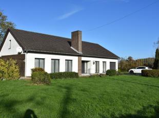 Deze woning/hoeve is zeer rustig gelegen in agrarisch gebied te Alken op een grondperceel van 1 hectare.  De woning is van het bwj. 1977 en goed onder