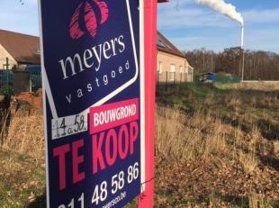Deze centraal gelegen bouwgrond te Genk ligt op het doodlopend einde van de straat genaamd Caetsbeek. <br /> Het totaal grondperceel heeft een opperv