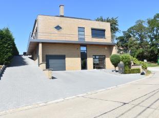 Deze ruime woning (OB) is gelegen op een grondperceel van 7a 40ca te Zoutleeuw-Budingen met een goede bereikbaarheid van Zuid-Limburg alsook Vlaams-Br