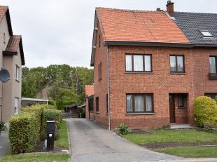 Deze verzorgde gezinswoning (HOB) met 3 slpk. is gelegen te Hasselt in de Trekschurenstraat 32 met een goede bereikbaarheid naar centrum Hasselt, also