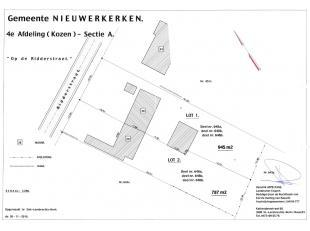 In de Ridderstraat ter hoogte van nummer 28 kan u deze half open bebouwing terugvinden. Het perceel heeft een straatbreedte van 12,39 meter en een len