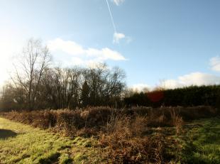 """Landelijk gelegen bouwgrond, lot 1, tussen Neerijse en Huldenberg, vlakbij het Margijsbos. De bouwgrond ligt in een goedgekeurde verkaveling """"De Vrank"""