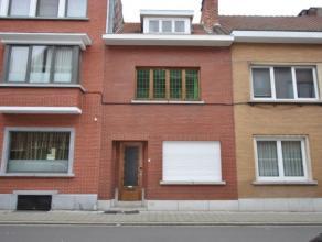 Gezinswoning met  tuin in het centrum van Kessel-Lo, op 10 minuten wandelafstand van het station Leuven.<br /> Heden zijn er drie slaapkamers en een n