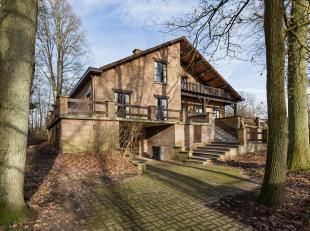 Rustig gelegen grote villa van 300 m² met 5 slaapkamers, ruime veranda met zicht op de tuin, garage voor 2 wagens na elkaar, werkplaats en kelder
