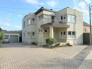 Karaktervolle woning met tuin en aanhorigheden, gelegen in deelgemeente Dormaal.<br /> Deze woning heeft een ruime living, 4 slaapkamers, bureel/bergi