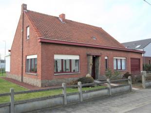 Vrijstaande woning met 3 slaapkamers, mogelijkheid tot 4, tuin en garage voor 1 wagen.<br /> Dubbel beglazing en rolluiken, centrale verwarming op aar