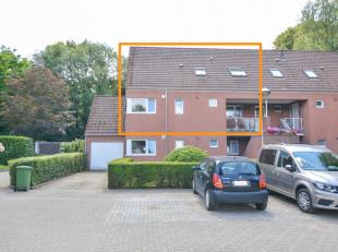 Startprijs: 229.000 euro.<br /> Op een boogscheut van de dorpskern in Niel bevindt zich dit instapklaar duplex appartement. Winkels, scholen en openba