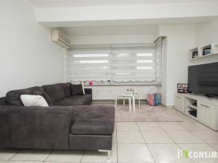 In het hartje van Maasmechelen treffen we dit gezellig appartement ter hoogte van de Rijksweg 184 bus 5. Het shoppingcentrum M2 met charmante boetieks