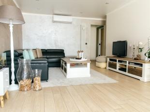 Dit modern gelijkvloers appartement met 2 slaapkamers is uitstekend gelegen te Maasmechelen, op wandelafstand van allerlei faciliteiten. Het apparteme