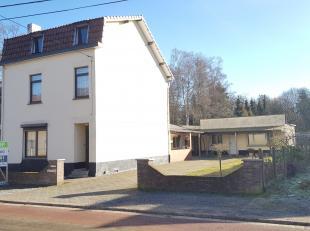 We vinden deze halfopen ruime woning terug ter hoogte van Mispadstraat 37 in Genk Oud-Waterschei. Deze woning is gunstig gelegen dichtbij het Scholenc