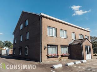 Gezellig gelijkvloers appartement met 2 slaapkamers, gelegen in Genk-Termien. Het appartement is op enkele minuten van Genk-Centrum en de commerci&eum