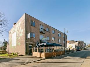 Dit instapklaar appartement is zeer goed gelegen in de zijstraat van de commerciële Vennestraat, dat gekend is als de straat van de zintuigen omw