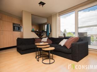 Dit instapklaar appartement met 2 slaapkamers ligt in het centrum van Zolder, dichtbij allerhande faciliteiten! Het appartement ligt op de 2de verdiep