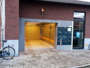 Deze ondergrondse staanplaats (nr 10) bevindt zich nabij Ekkergem en heeft onmiddellijke in-en uitrit op de kleine stadsring. Parking is zeer vlot toe