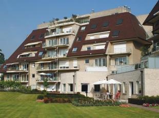 2 appartementen omgevormd naar een gezellige ruime woonst !<br /> Dit grote appartement is gelegen in de nabijheid van Gent en Sint-Denijs-Westrem dor