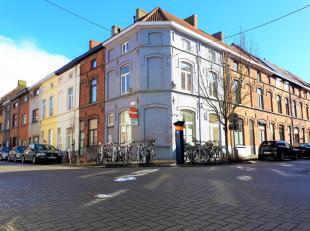 Dit hoekpand is gelegen nabij de Visserij, Lousbergkaai, ... en bestaat uit 3 mooie studio's. Gebouw werd in 2002 compleet gerenoveerd. Pand is vergun