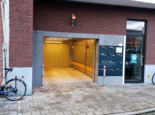 Deze ondergrondse staanplaats (nr 9) bevindt zich nabij Ekkergem en heeft onmiddellijke in-en uitrit op de kleine stadsring. Parking is zeer vlot toeg
