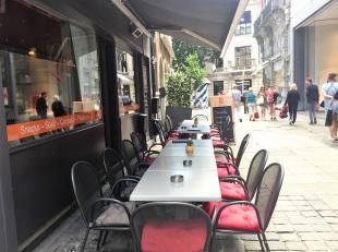 Jarenlang bestaat deze tea-room - brasserie in de Mageleinstraat in Gent. De uitbaters willen het wat rustiger aanpakken, en laten daarom nu hun zaak