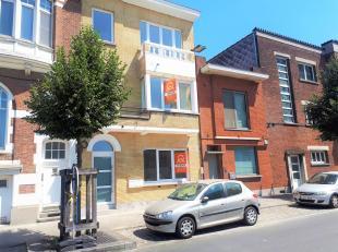 Dit appartement is gelegen op 200 meter van station Gent Sint-Pieters, TOPligging. Het gebouw bestaat uit 3 gerenoveerde appartementen (reeds 1 verkoc