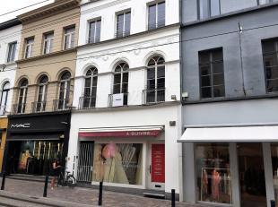 Mooie, instapklare winkel van 63m² in de onmiddellijke nabijheid van topmerken als MAC, Giovane, Nicole Men, 7 for all mankind, Patrizia Pepe, Cl
