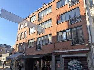 Zeer lichtrijk appartement op de tweede verdieping van een kleine residentie in de Kortedagsteeg.Te huur vanaf 1 januari 2019.<br /> Inkom, toilet, le