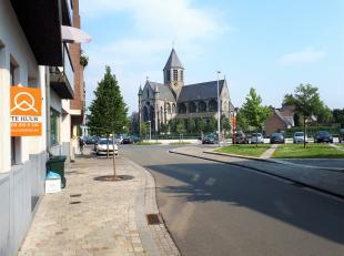 Dit gelijkvloers appartement is gelegen in een nieuwbouw residentie nabij de Schelde (Margaretha van Parmastraat, de markt van Oudenaarde). Het appart