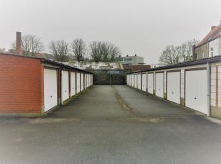 Een zeer ruime garagebox met een vlotte toegang tot het afgesloten parkeercomplex. Met een oppervlakte: 20m² en een breedte: 3.2 m. De box heeft