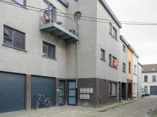 Dit recent en energiezuinig appartement ligt op wandelafstand van het centrum van Gent. Het bevindt zich op de eerste verdieping met een bewoonbare op