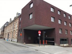 Een ondergrondse open autostaanplaats te koop in Residentie Cartijnenveld. Deze bevindt zich in de ondergrondse parkeerruimte onder de voormalige Rijk