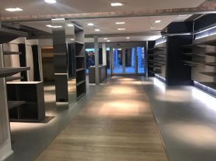 Handelspand van +- 150 m² groot, gelegen in midden van Diestsestraat. Momenteel is het pand nog fraai ingericht als kledingwinkel, maar kan uiter