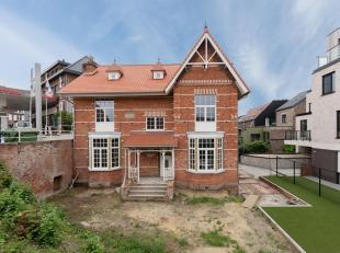 Deze authentieke woning aan de Leuvense ring is vergund naar 1 ruime ééngezinswoning en 3 studentenkamers met eigen sanitair.<br /> De v