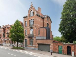 Waarschijnlijk één van de mooiste herenhuizen op de Leuvense ring.<br /> Dit uniek en charmant herenhuis werd gebouw begin jaren '20 en