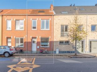 """Deze ideale starterswoning met gezellig tuintje bevindt zich in de wijk """"De Spaanse Kroon"""" net buiten het centrum van Leuven, in de korte nabijheid va"""