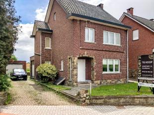 Nous trouvons cette maison prête à vivre dans la campagne de Bierbeek. Ceci est situé près du centre sur une parcelle bien