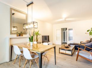 In de omgeving van het station, het centrum van Leuven en parken Michotte en Belle-Vue, bieden we u graag dit gerenoveerd appartement aan. Het is gele