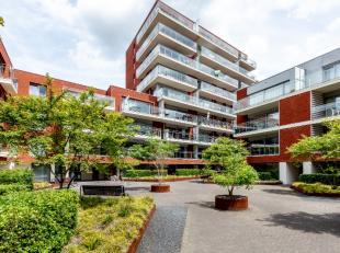 Cet appartement de construction récente est situé dans le quartier animé de Vaartkom qui vit de choses branchées, de diver