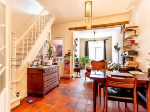 En bordure du quartier de Matadi, lun des quartiers les plus agréables de Louvain, nous vous présentons cette maison de démarrage