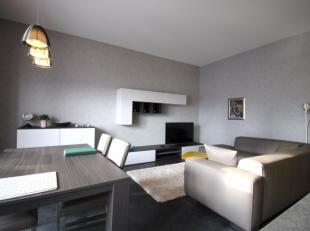 À un jet de pierre de la gare de Louvain, nous trouvons cet appartement 1 chambre lumineux et entièrement meublé. L'appartement e